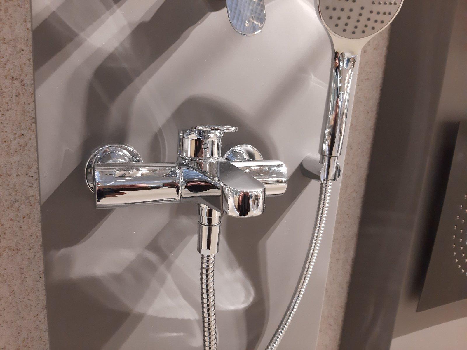 Купити в Києві змішувач у ванну Одноважільний якісний